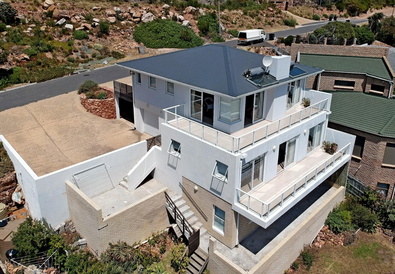 4 Bedroom  House for Sale in Fish Hoek - Western Cape