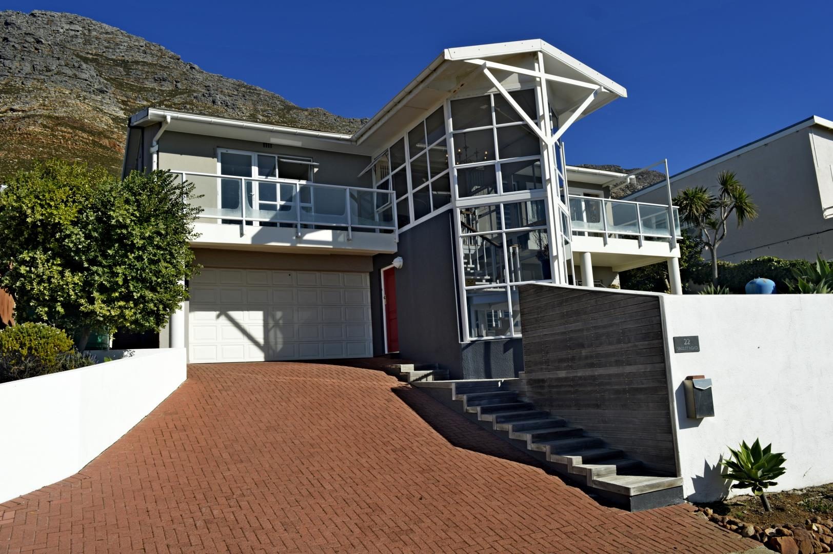 3 Bedroom House for Sale in Murdock Valley, Simons Town - Western Cape