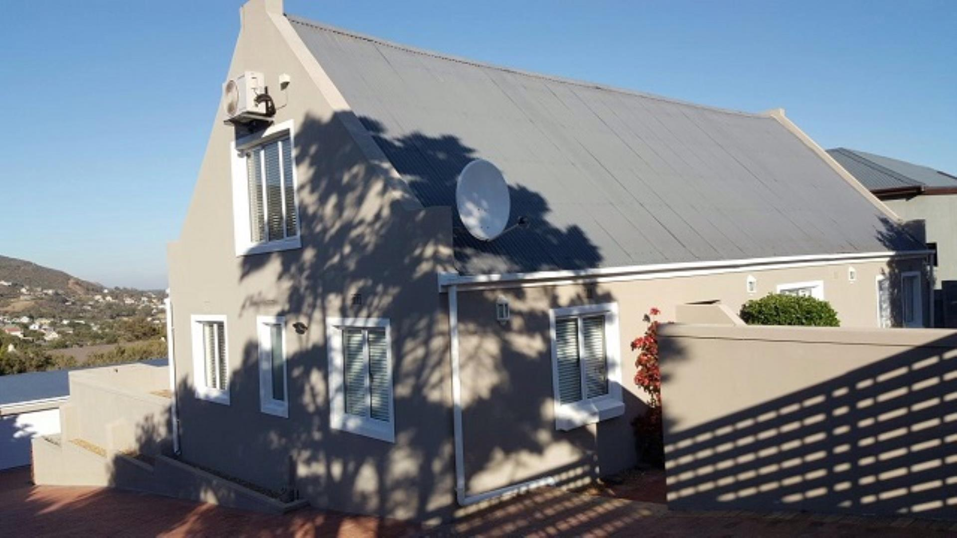 4 Bedroom House + Cottage/Flat for Sale in Capri, Fish Hoek - Western Cape