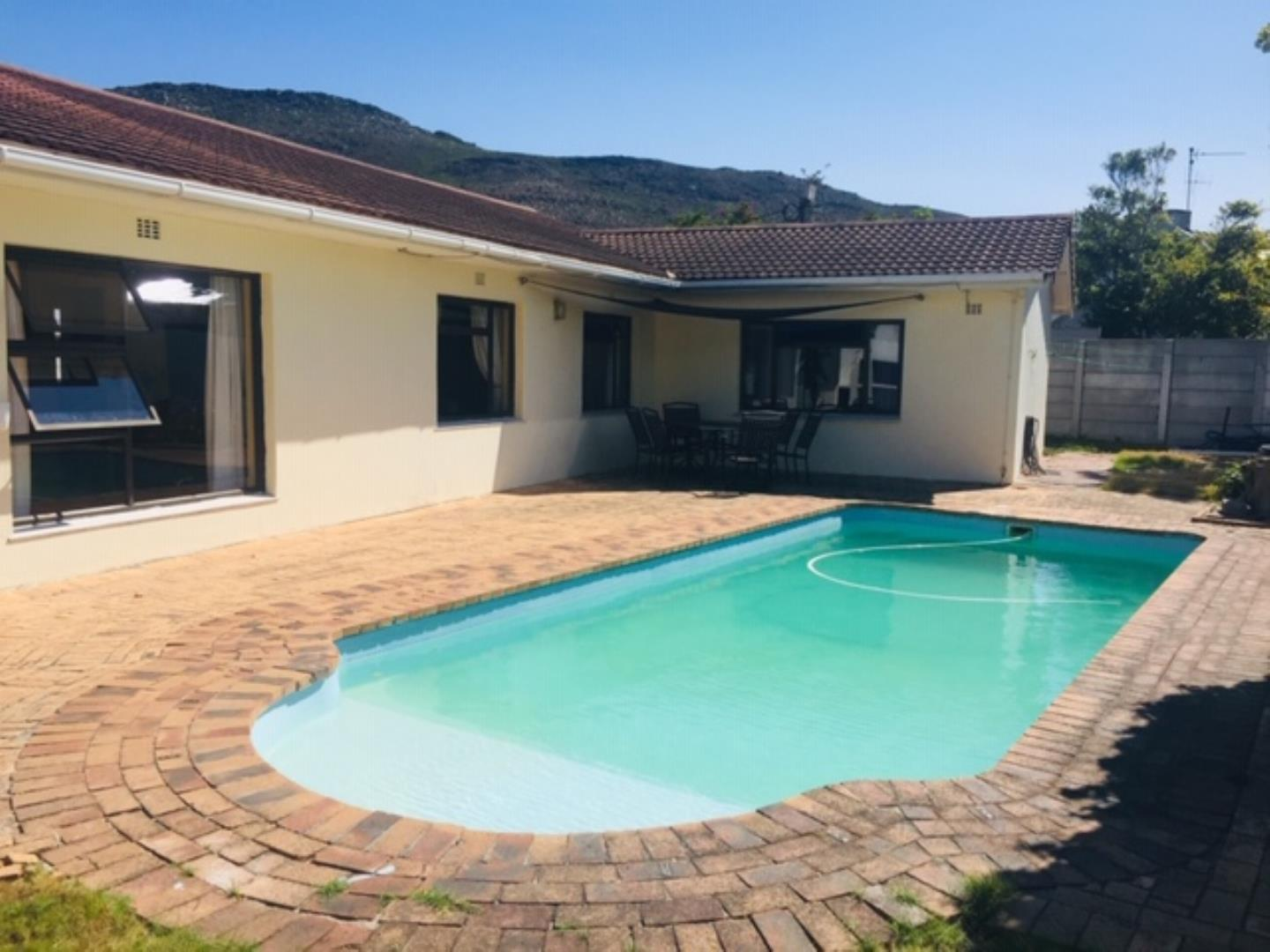 5 Bedroom  House for Sale in Fish Hoek - Western Cape