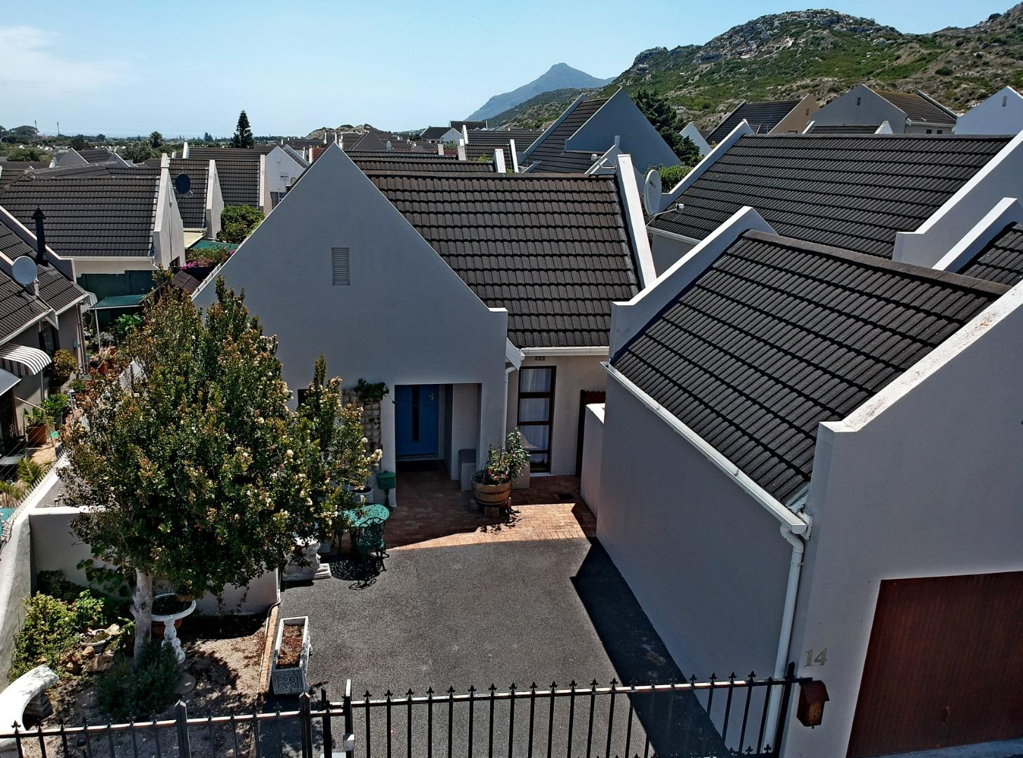 3 Bedroom  House for Sale in Fish Hoek - Western Cape